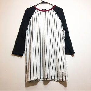 Men XL baseball top